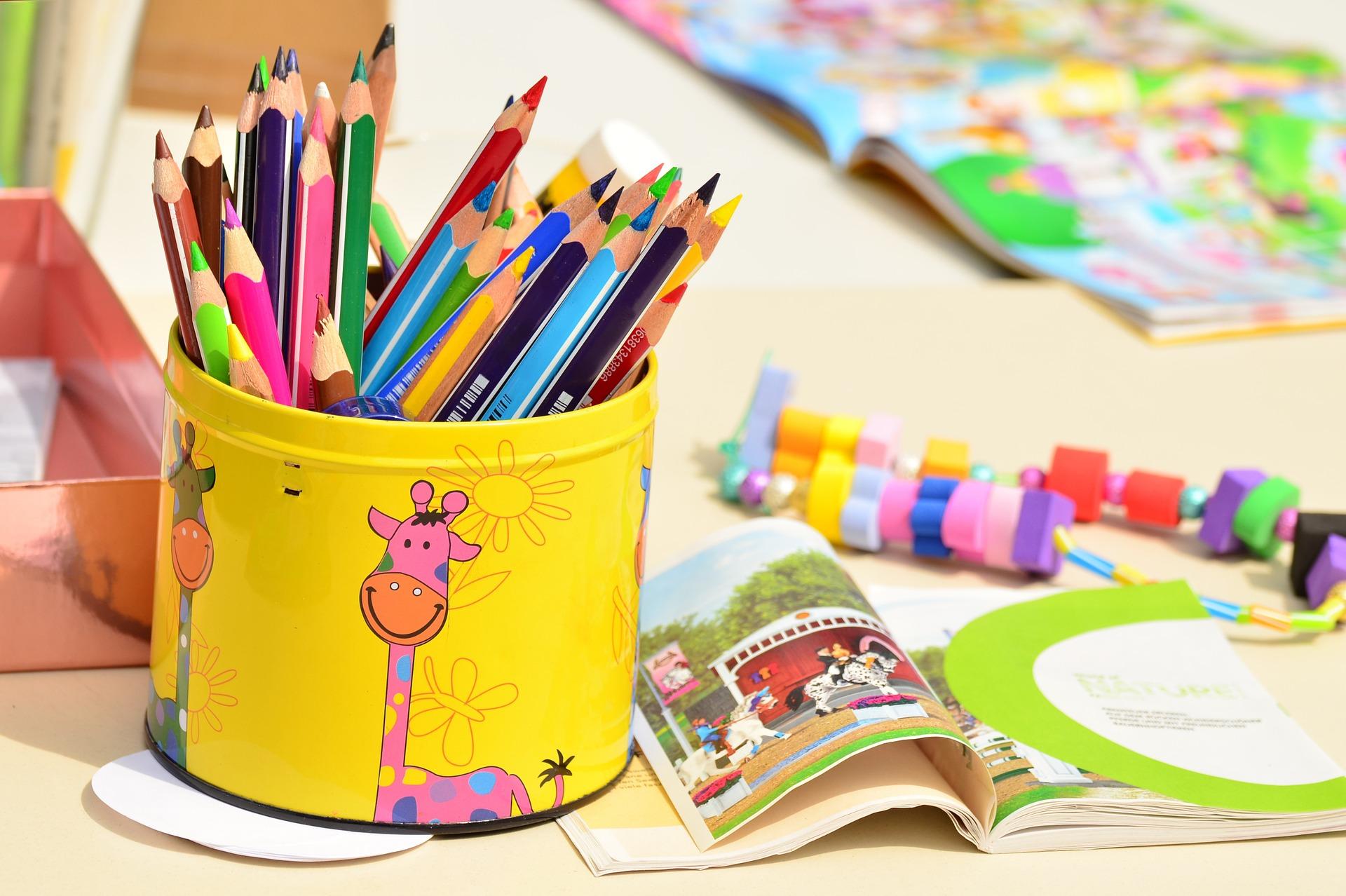 colored-pencils-1506589_1920